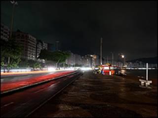 Praia de Copacabana. Foto AP/ Felipe Dana