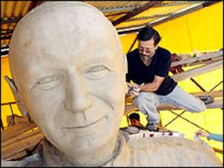 Estatua de Juan Pablo II. Imagen gentileza del diario La Tercera.
