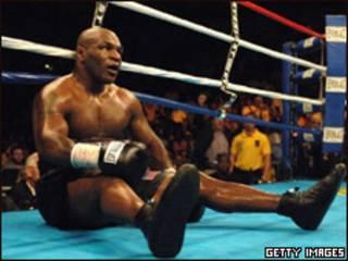 Tyson en una pelea en 2005