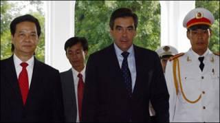 Hôm 12/11, Thủ tướng Nguyễn Tấn Dũng đã đón tiếp Thủ tướng Pháp Francois Fillon trong chuyến viếng thăm chính thức tới Việt Nam