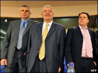 Представители трех националистических партий, создавших альянс