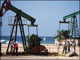 Pozo petrolero en Cuba (Foto Raquel Pérez)