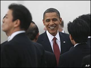 Barack Obama chega a Tóquio