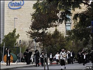 Protesta de judíos contra Intel en Jerusalén
