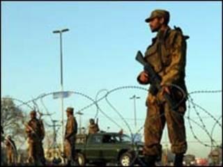 Полиция в Пешаваре (архивное фото)
