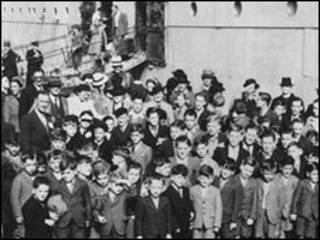 crianças britânicas foram enviadas às ex-colônias