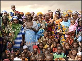 Mulheres e crianças na Nigéria