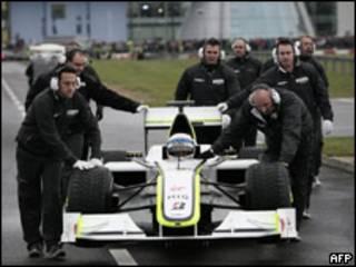 Гоночный автомобиль команды Brawn GP