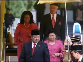 Sby, Najib Razak