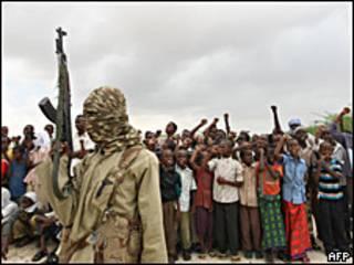Militante del grupo al-Shabab. Imagen de archivo.