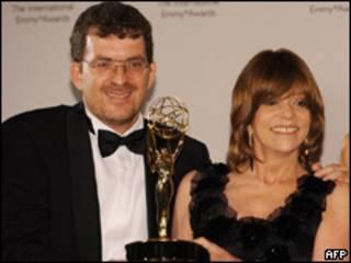Marcos Schechtman y Gloria Pérez ganadores del Emmy