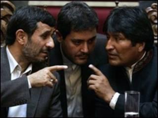 احمدی نژاد و مورالس