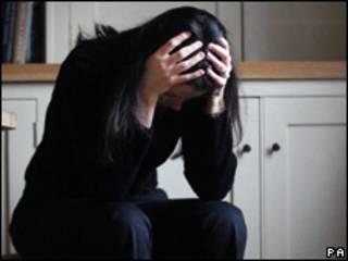 Mulheres sofrem com falta de opção de moradia.
