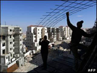 Construcción de asentamiento en Cisjordania
