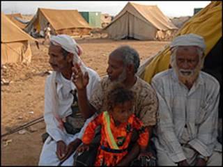 نازحون يمنيون في خيام