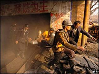 Acidente em mina na China em 2004