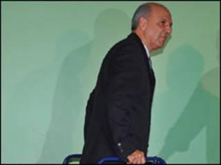 O governador do Distrito Federal, José Roberto Arruda (Foto: Valter Campanato/ABr)