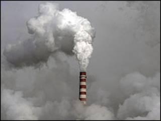 انبعاث غازات من احد المصانع الصينية