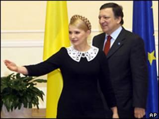 Премьер-министр Украины Юлия Тимошенко и глава Еврокомиссии Жозе Мануэль Баррозу
