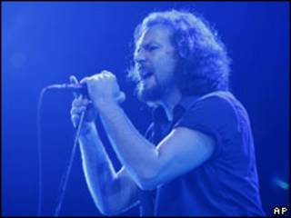 Солист группы Pearl Jam Эдди Веддер