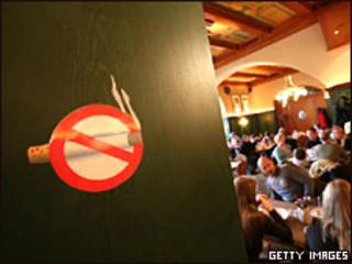 Sinal de proibição de fumo em lugar fechado (arquivo)