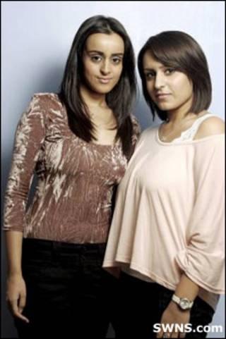 As irmãs Ravindra (esq.) e Meeta (Foto: SWNS.com)
