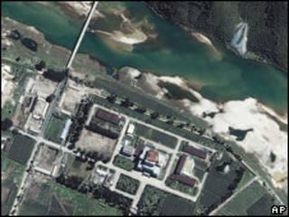 Атомный реактор в Енбене