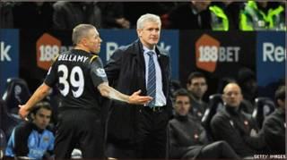 Bellamy số 39 và ông bầu Mark Hughes