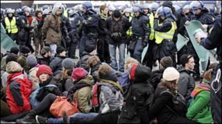 Manifestantes detidos em Copenhague