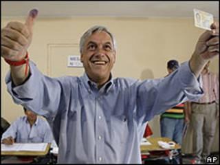 Sebastián Piñera ao votar