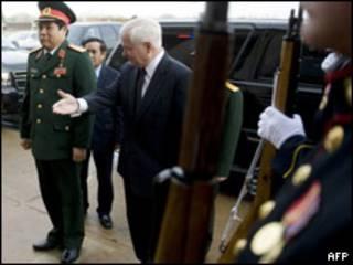 Tướng Thanh trong lễ đón tại Lầu Năm góc