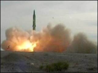 Lanzamiento de misil iraní Seijil-2