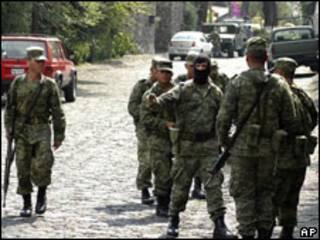 Militares después del operativo militar en Morelos.