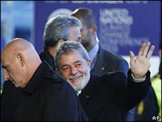 O presidente Luiz Inácio Lula da Silva chega ao Bella Center em Copenhague