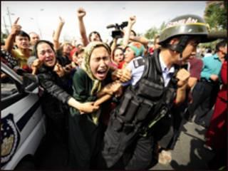 تظاهرات اویغورها در ارومچی