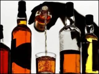 Наливая виски