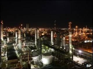 Нефтеперерабатывающий завод в Техасе