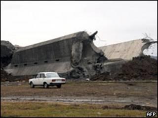 Взорванный памятник в Кутаиси