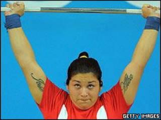 чілійська важкоатлетка Елізабет Поблете