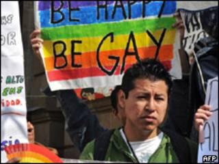 Militante participa de ato pela aprovação de casamento gay na Cidade do México (AFP, 21 de dezembro)