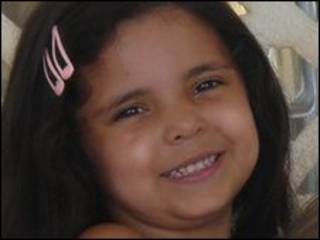 Nadia Fawzi, aos 4 anos