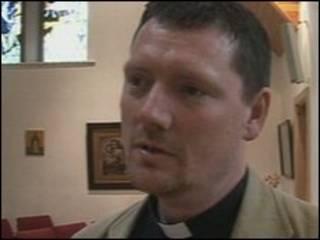 Sacerdote Tim Jones