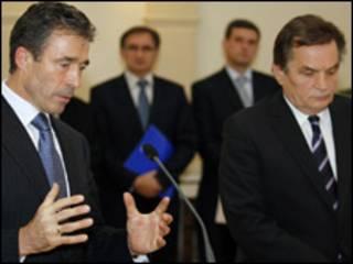 رئيس البوسنة مع أمين عام الناتو