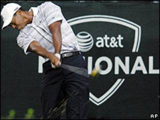 Tiger Woods y el patrocinio de AT%T
