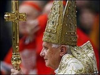 Benedicto XVI celebra la misa de año nuevo