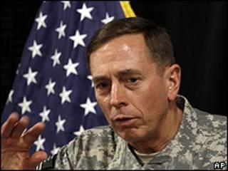 General David Petraeus, comandante militar estadounidense en Medio Oriente.