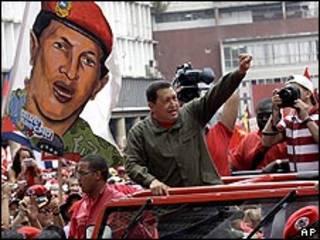 Presidente de Venezuela, Hugo Chávez, en campaña electoral de 2009 (foto de archivo)