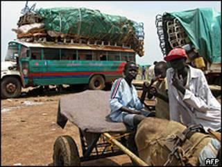Jóvenes sudaneses.