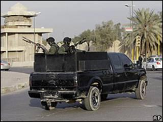 Empresa privada de seguridad, en las calles de Bagdad. Foto de archivo