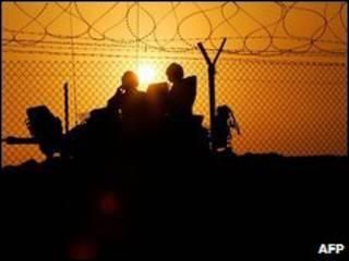 جنود بريطانيون في جنوب العراق